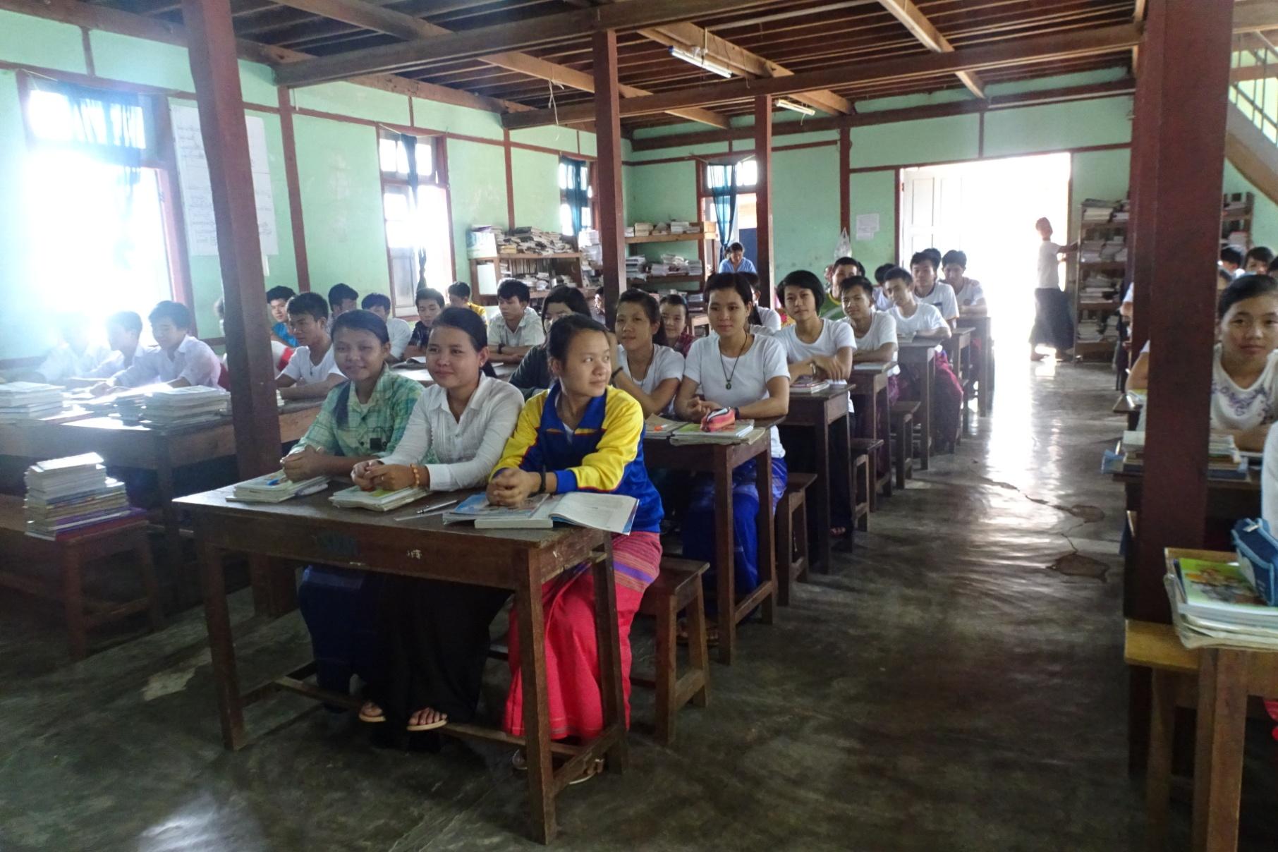 Construction de la cuisine et toit de l'école maternelle de Ban Phonxay au Laos