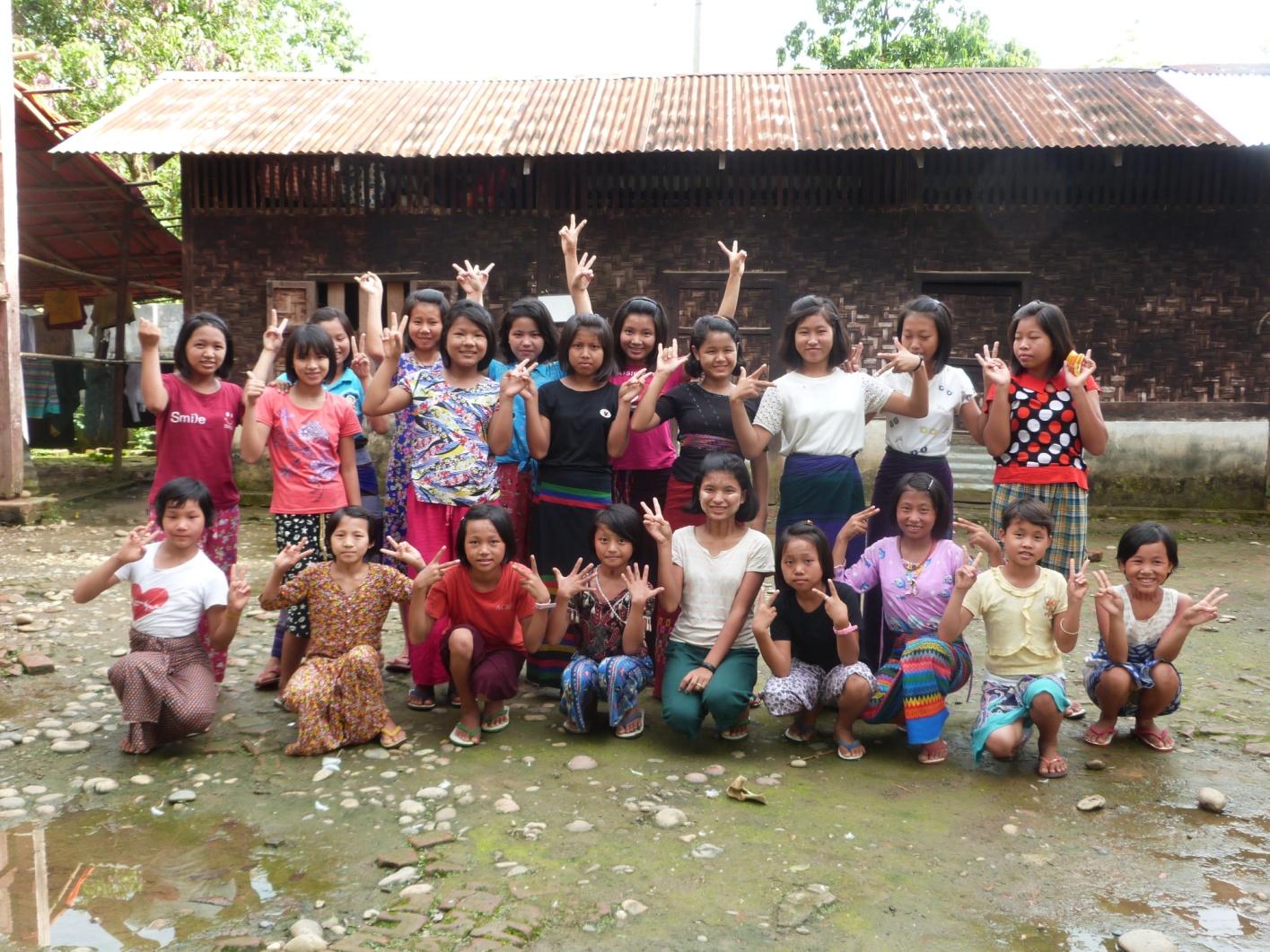 Construction d'une cuisine et d'un réfectoire pour les filles de Wai Maw en Birmanie
